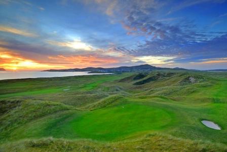 Atardecer en el campo de golf de Ballyliffin en Irlanda