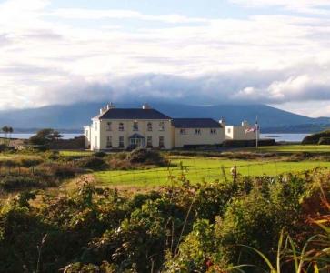 Clubhouse en el campo de golf de Ballybunion (Old) en Irlanda