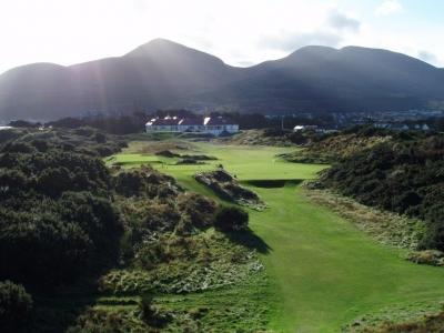Clubhouse en el campo de golf de Royal County Down 'Championship'