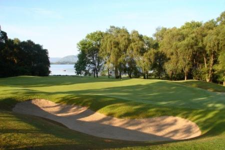 Bunker en el campo de golf de Killarney Kileen en Irlanda